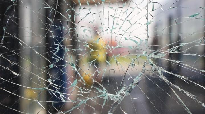 Une vitre cassée ?