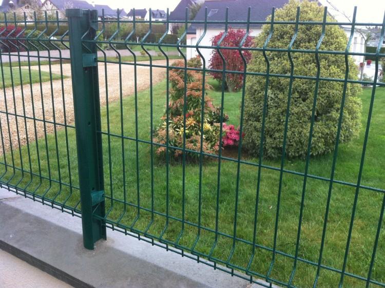 Bien choisir sa cl ture pour son jardin - Protection bassin de jardin ...