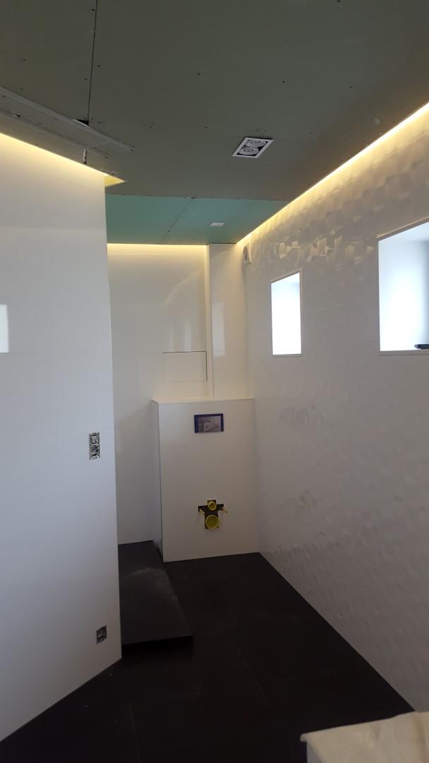 Eclairage intérieur et plafond décoratif à Mouscron
