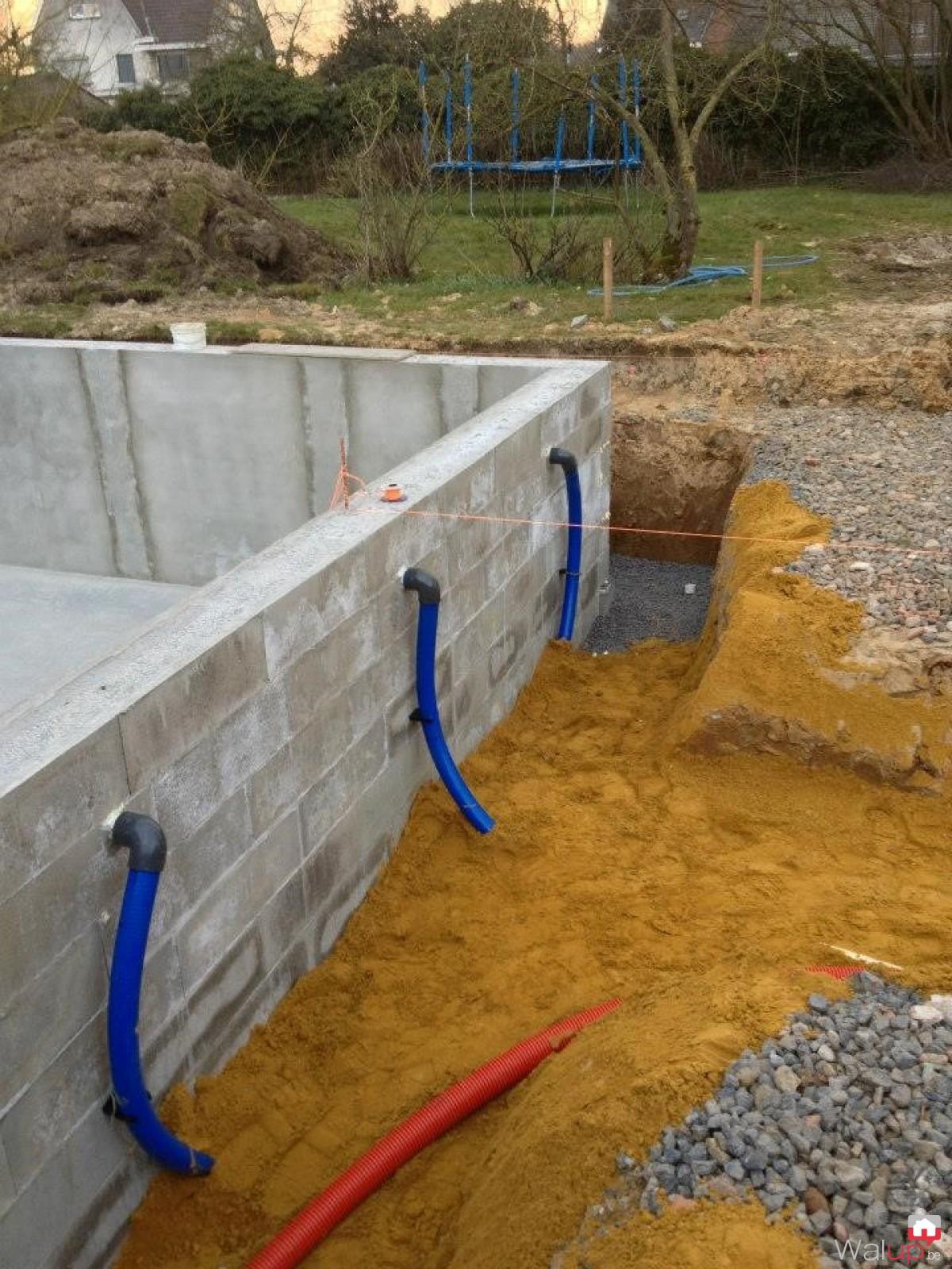 Piscine en stepoc phase 2 par pool conception sprl for Conception piscine