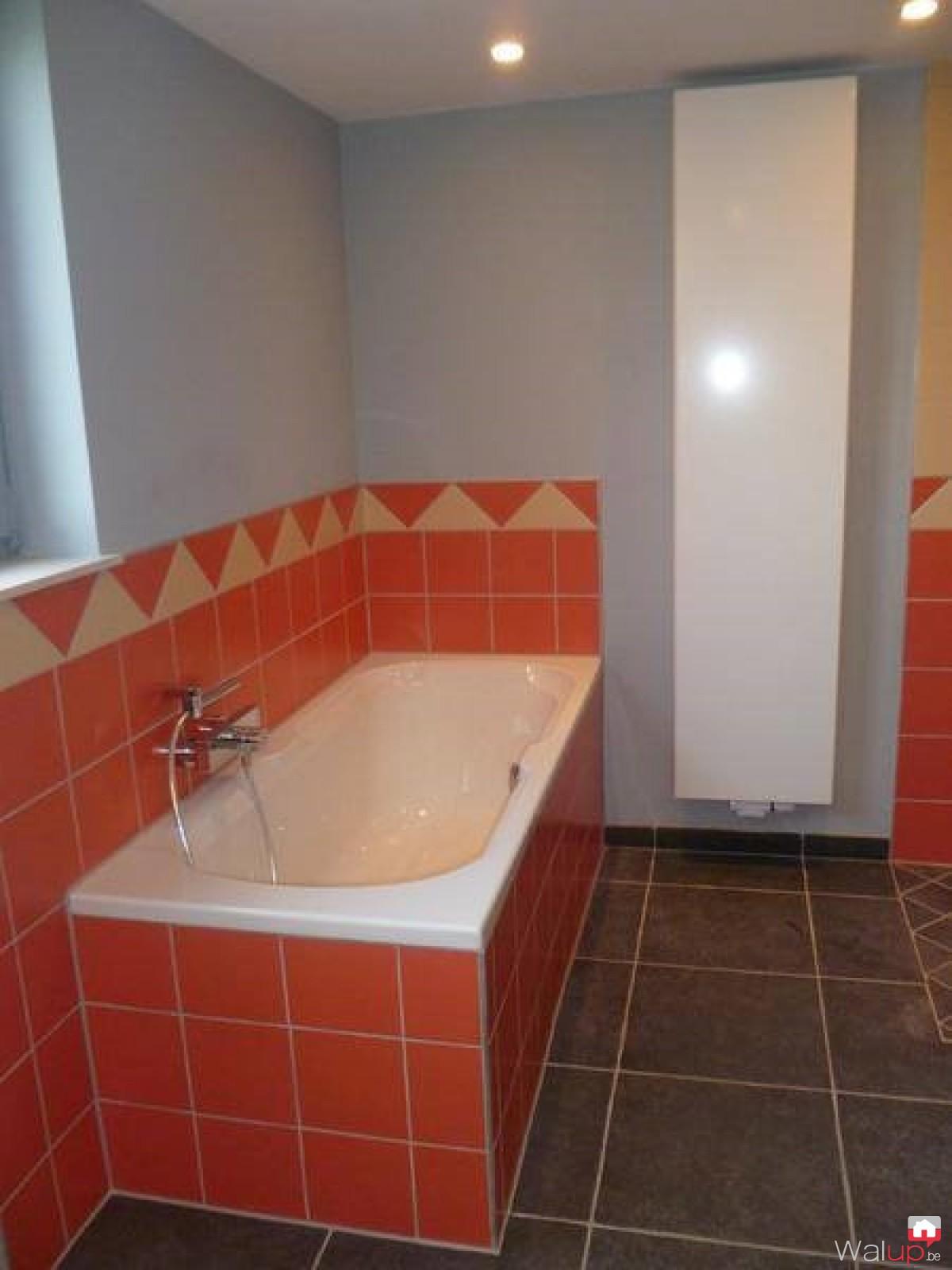 Salle de bain par nico chauffage for Chauffage salle de bain