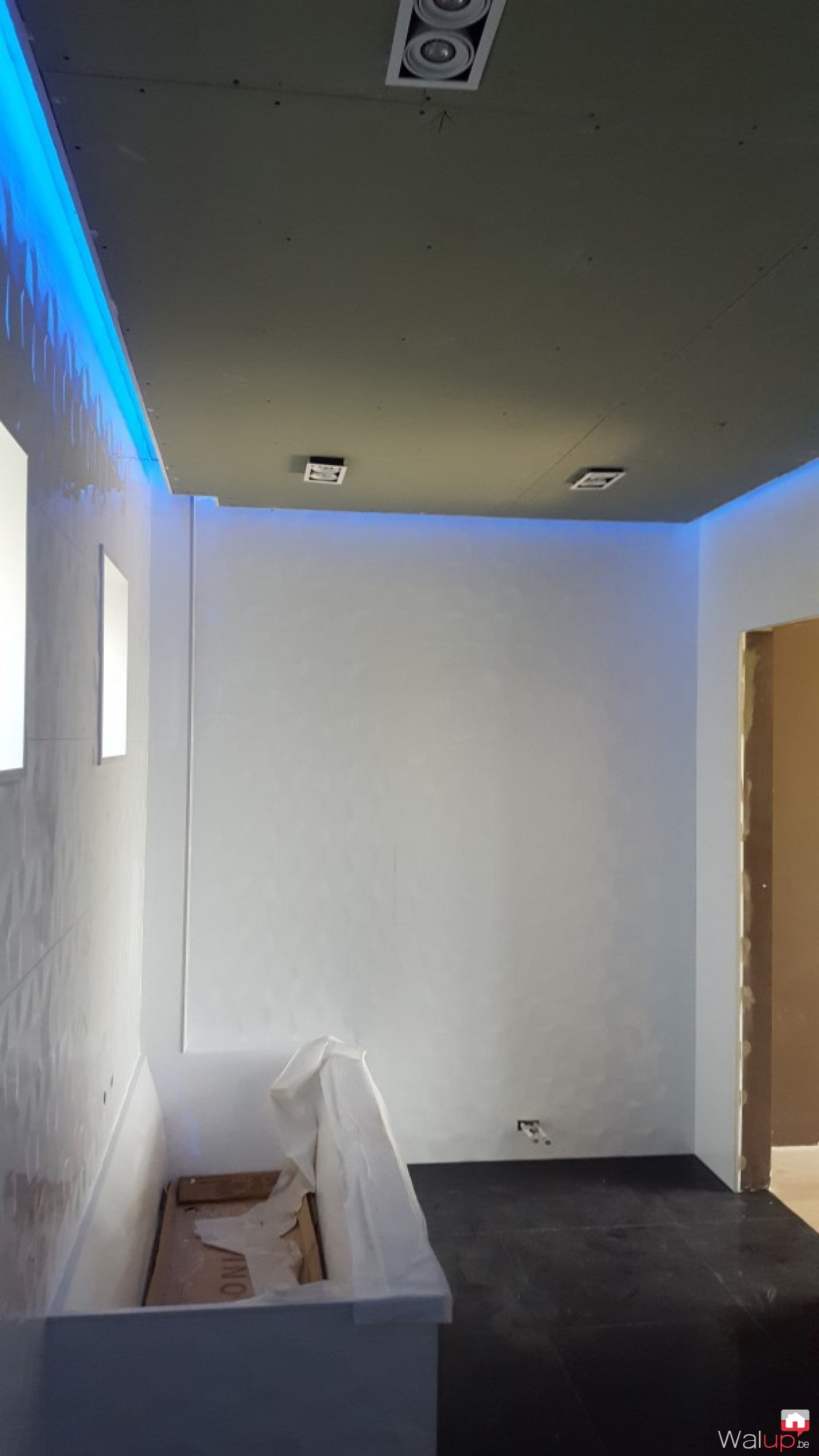 Eclairage int rieur et plafond d coratif mouscron par for Realisation faux plafond decoratif