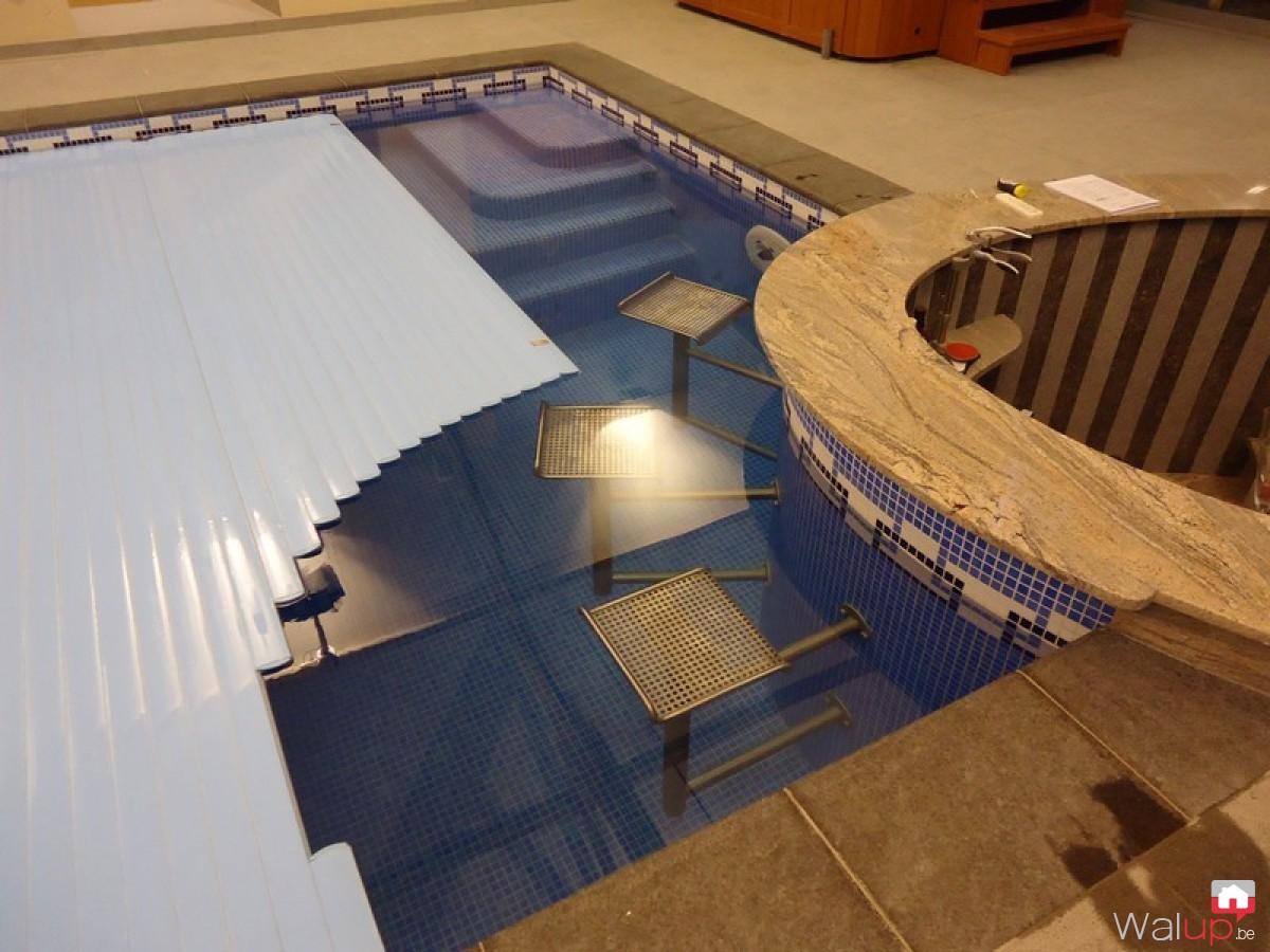 Construction d 39 une piscine int rieure par pool conception sprl for Construction piscine interieure