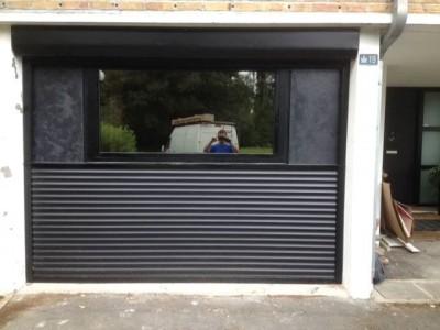 Volet imitation porte de garage avec châssis alu