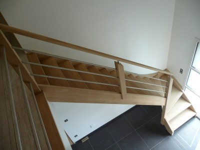 Pose d'un escalier à Tournai