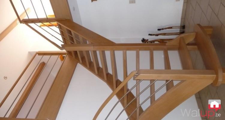 pose dun escalier en chêne par menuiserie tournaisienne