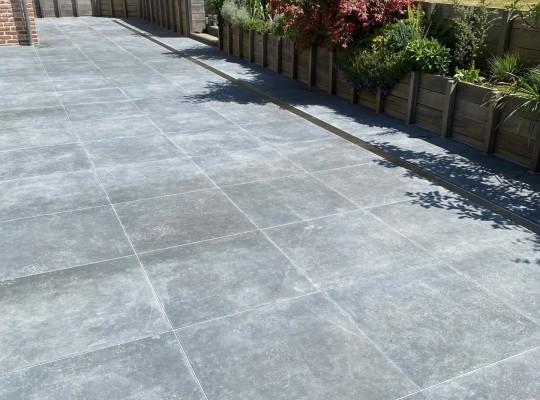 Terrasse 75x75 + caniveaux Inox + éclairage