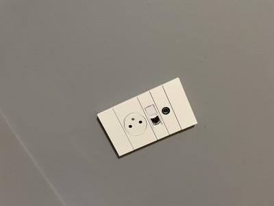 Eclairage, appareillage et climatisation dans 2 chambres