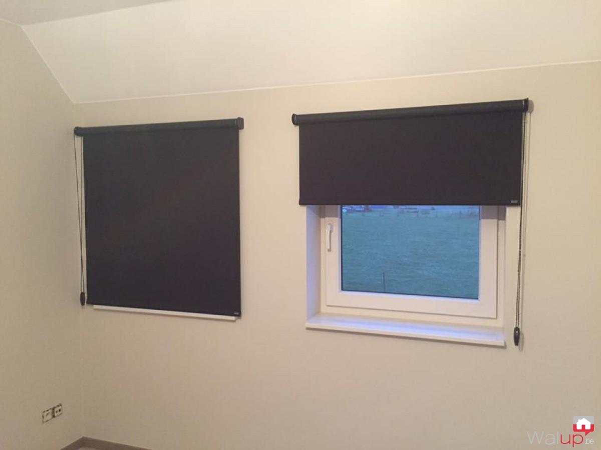 pose de stores enrouleurs par decaluwe sprl. Black Bedroom Furniture Sets. Home Design Ideas