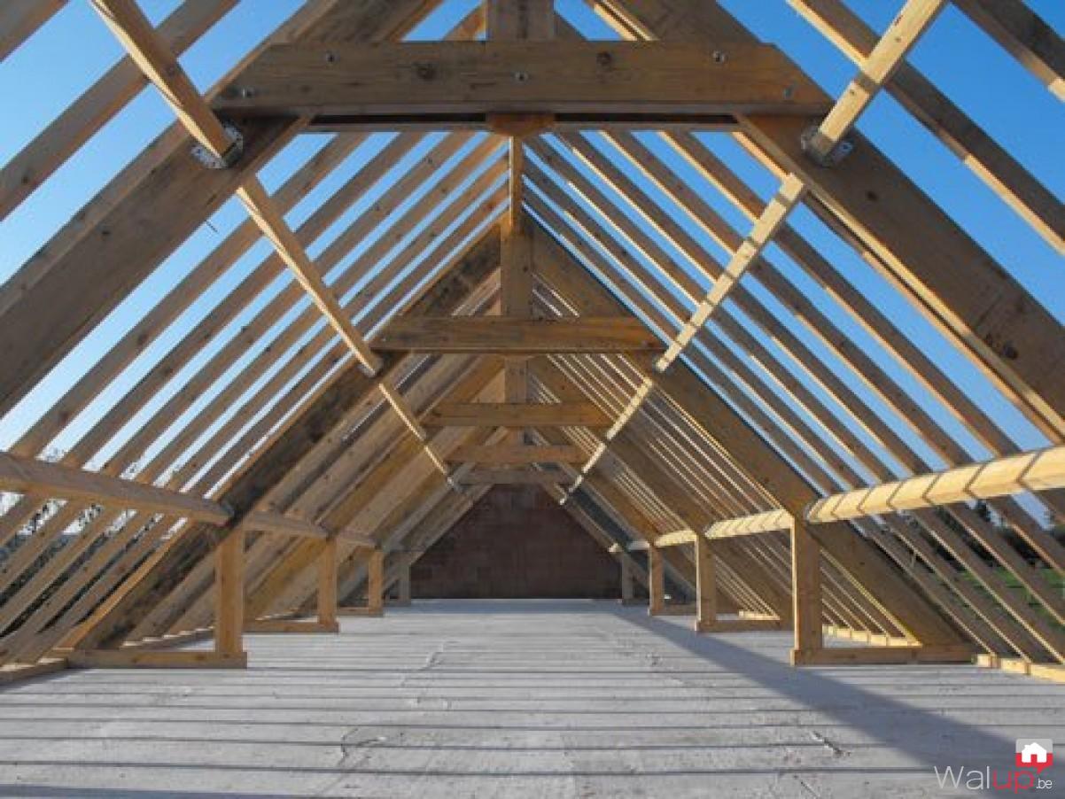 Charpente et toiture à Tournai par CBR Renovation