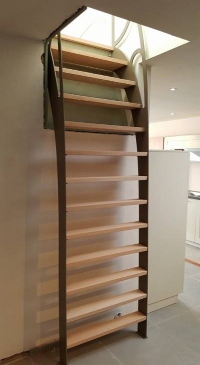 Escalier bois/métal.