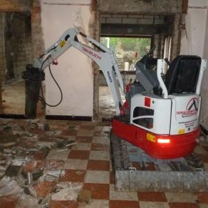 demolition et terrassement interieur passage pour machine de 80cm