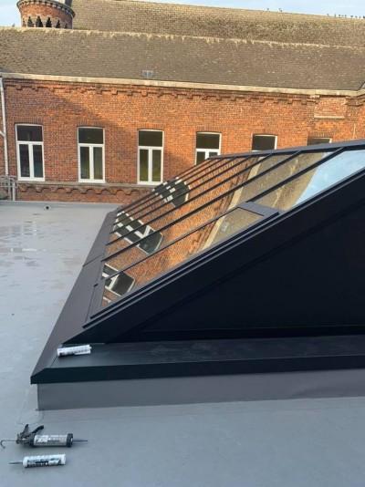 Charpente, toiture, verrière, plafond...